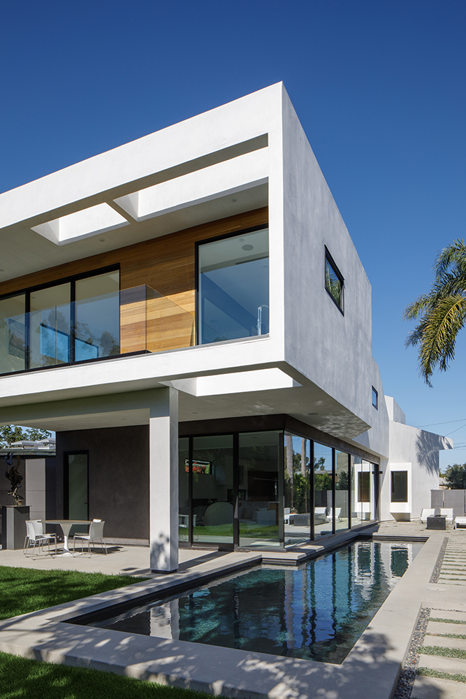 Venice Beach Residence by Griffin Enright Architects 12
