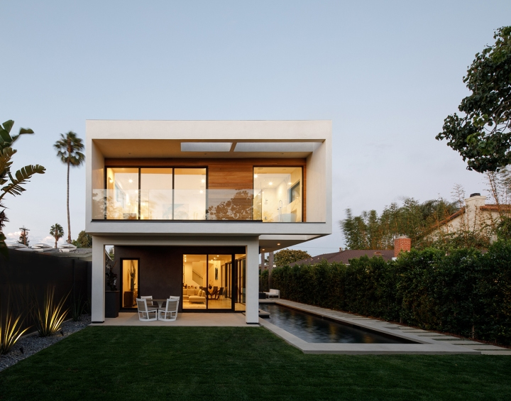 Venice Beach Residence by Griffin Enright Architects 13