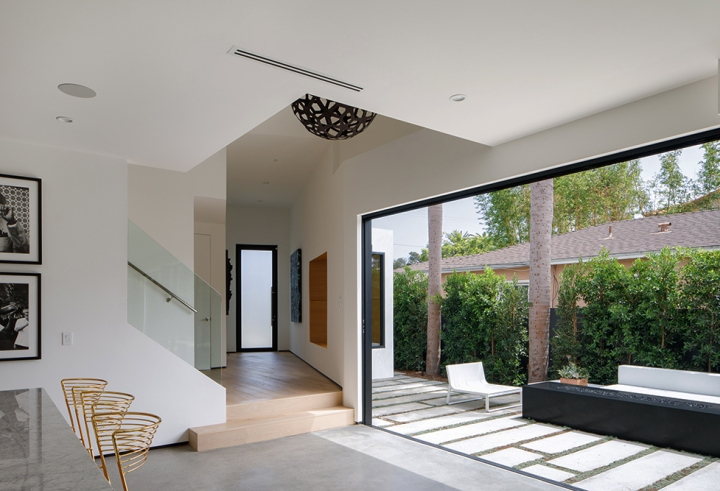 Venice Beach Residence by Griffin Enright Architects 14