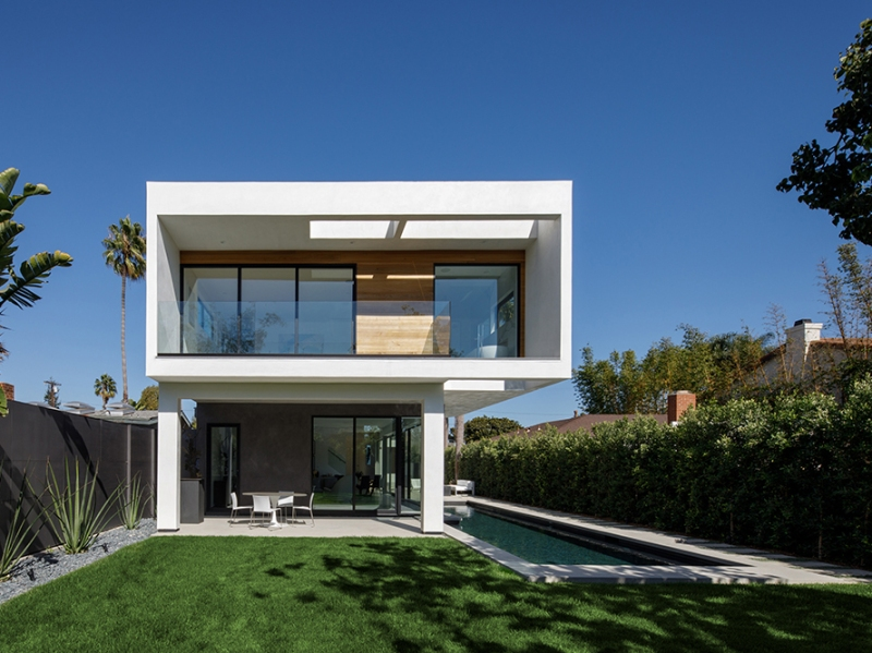 Venice Beach Residence by Griffin Enright Architects 17