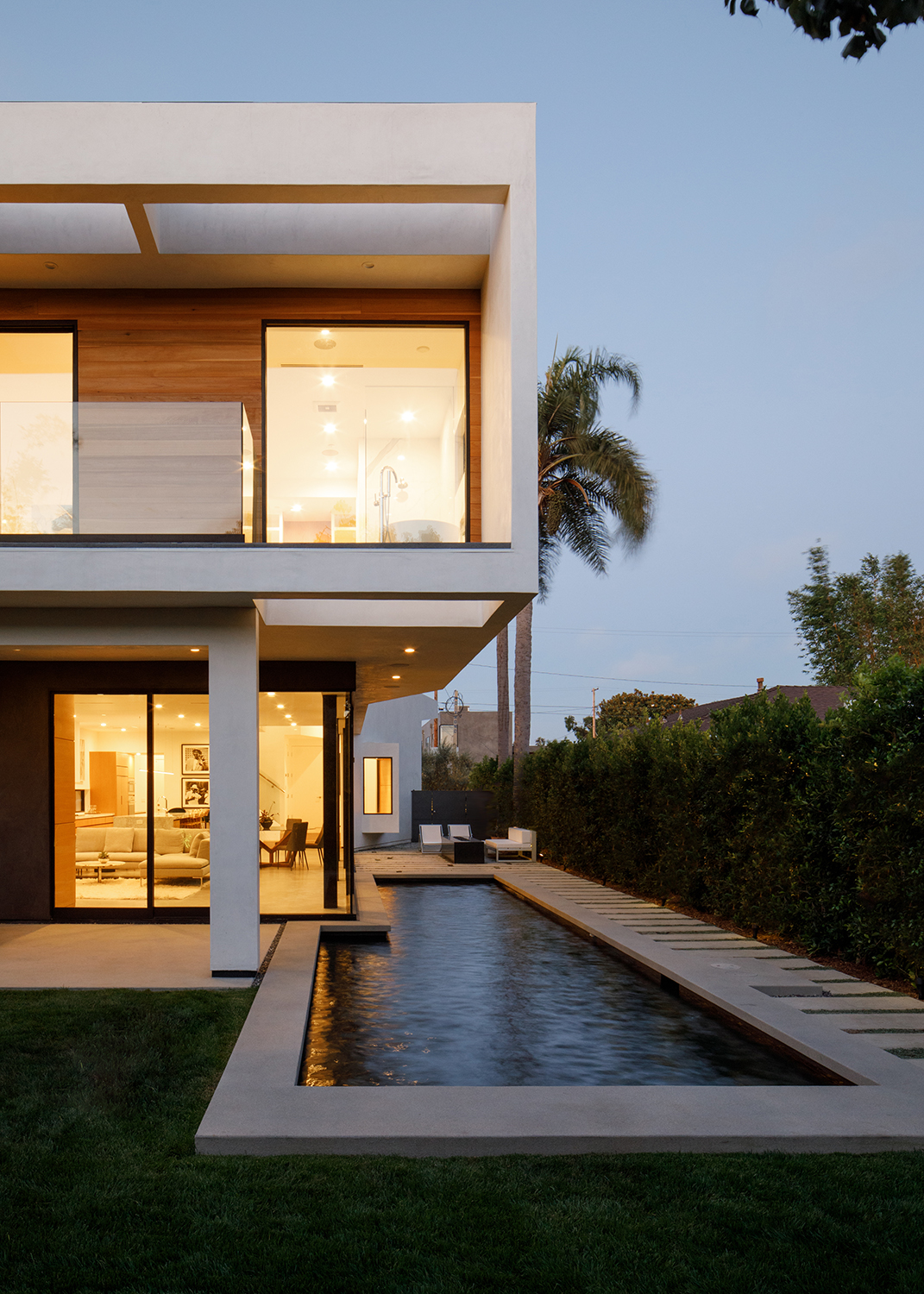 Venice Beach Residence by Griffin Enright Architects