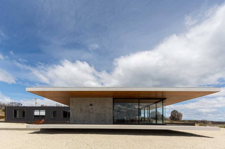 Dunalley House by Stuart Tanner Architects_10