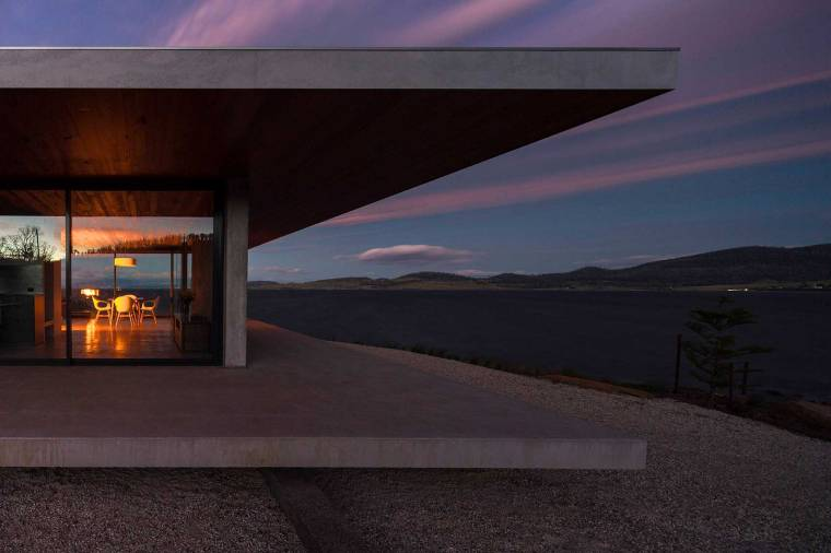 Dunalley House by Stuart Tanner Architects_13