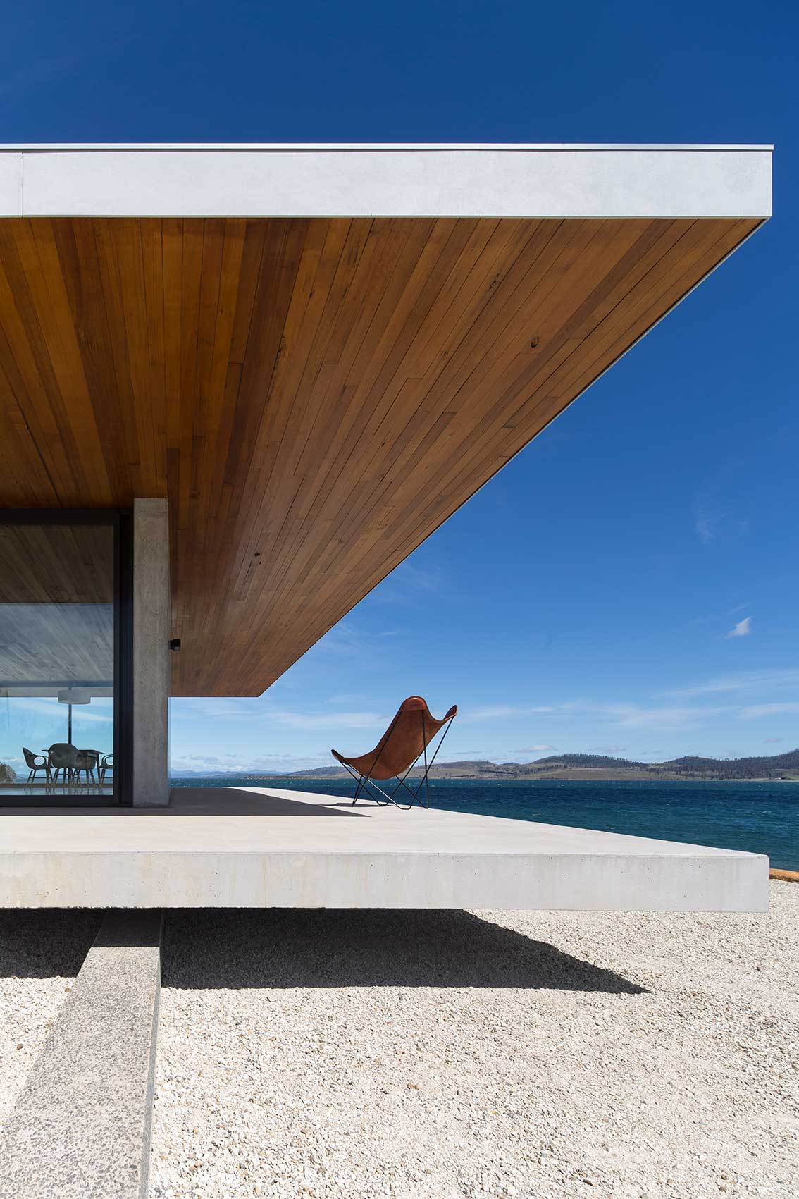 Dunalley House by Stuart TannerArchitects