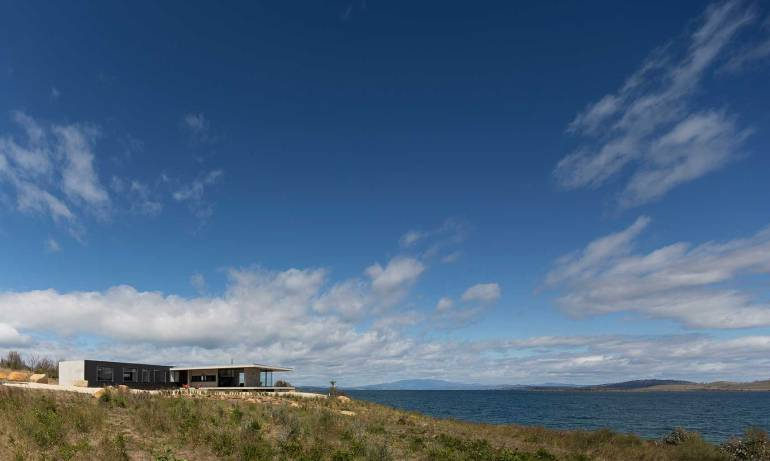Dunalley House by Stuart Tanner Architects_7