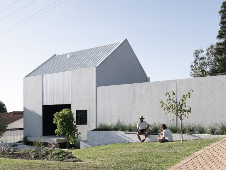 house a by whispering smith_01