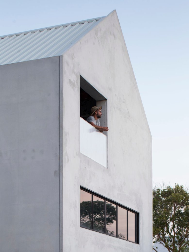 house a by whispering smith_14