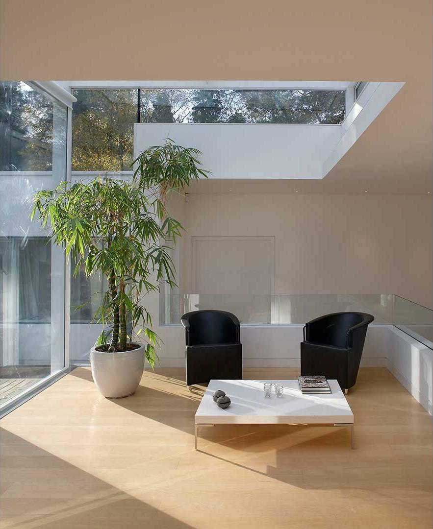 Nirala Residence in London by AvciArchitects