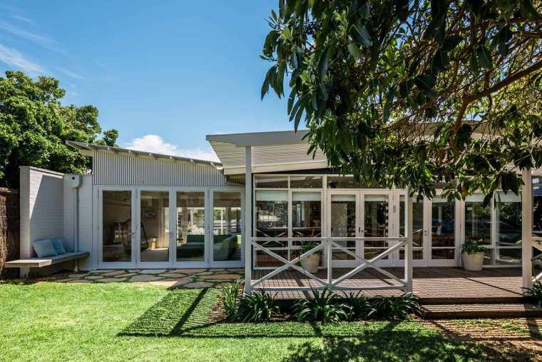 portsea beach shack by pleysier perkins architects