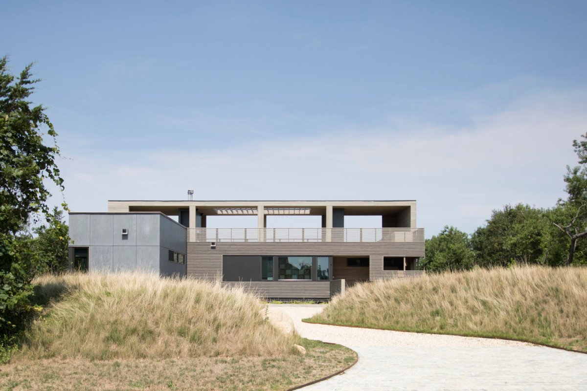 The North Fork Bluff House byRES4