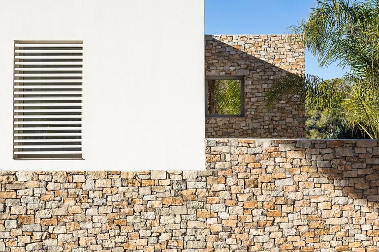 House in Tarragona by Studio Dom Arquitectura - 01