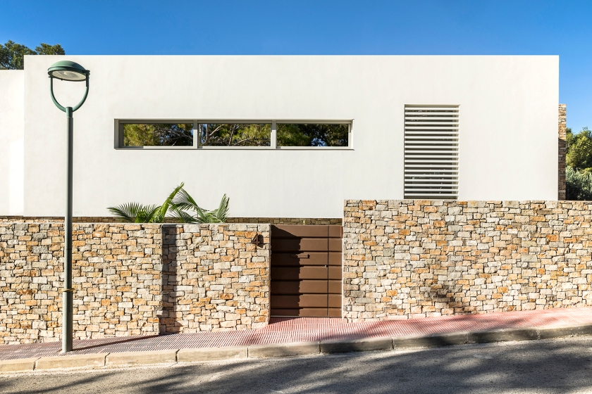 House in Tarragona by Studio Dom Arquitectura - 01a