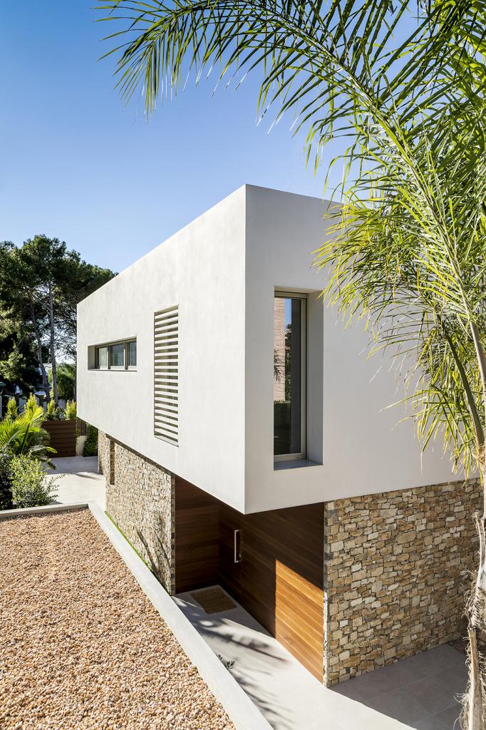 House in Tarragona by Studio DomArquitectura