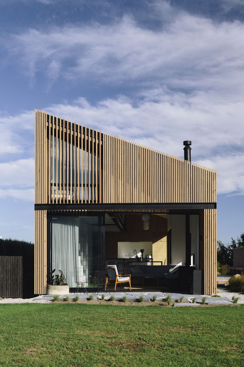River Retreat by Edwards WhiteArchitects