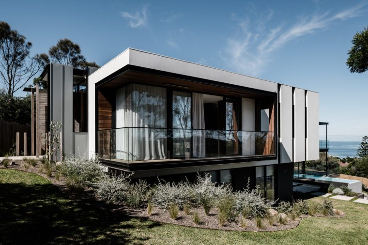 Two Angle House by Megowan Architectural -1