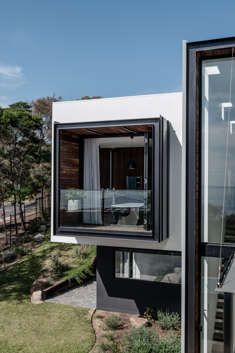 Two Angle House by Megowan Architectural -14