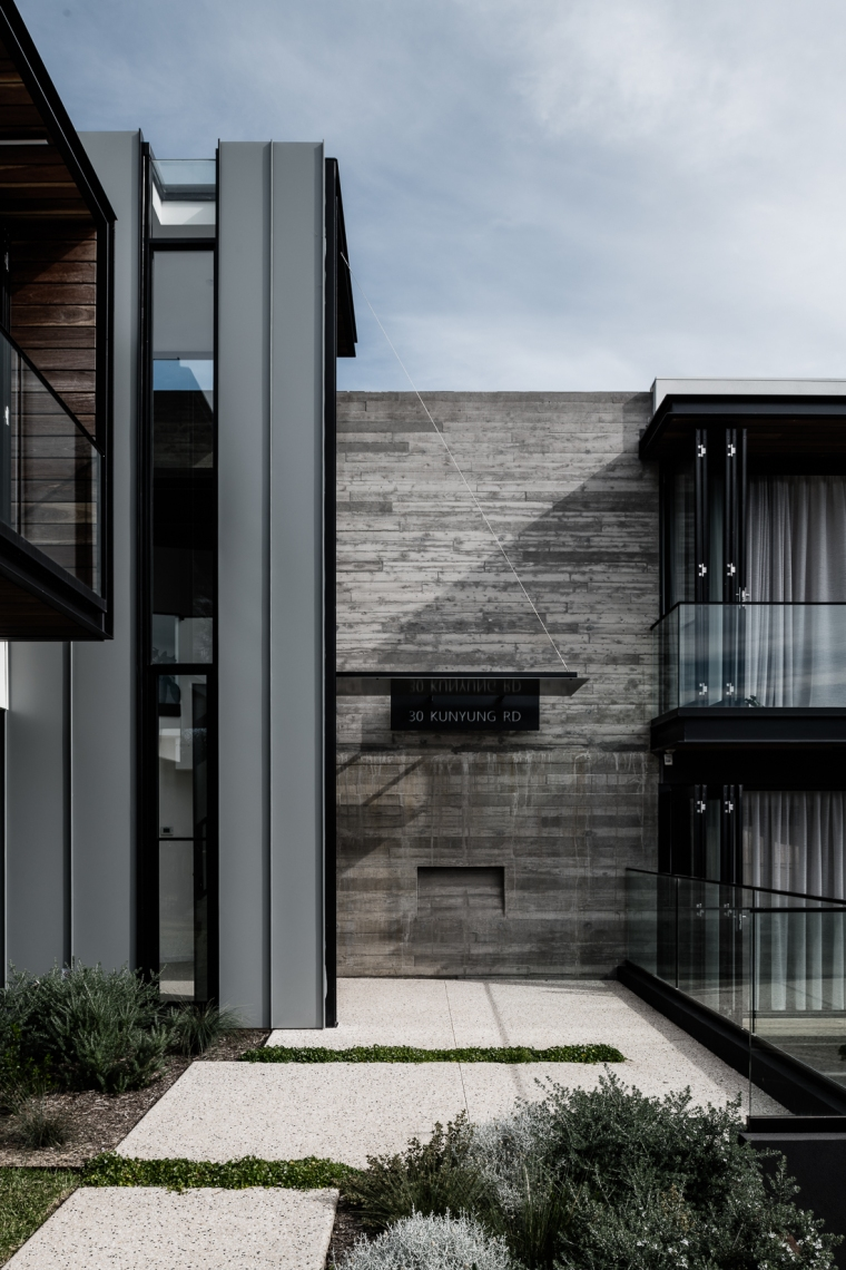 Two Angle House by Megowan Architectural -15