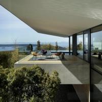 Eaves House by Mcleod Bovell Modern Houses
